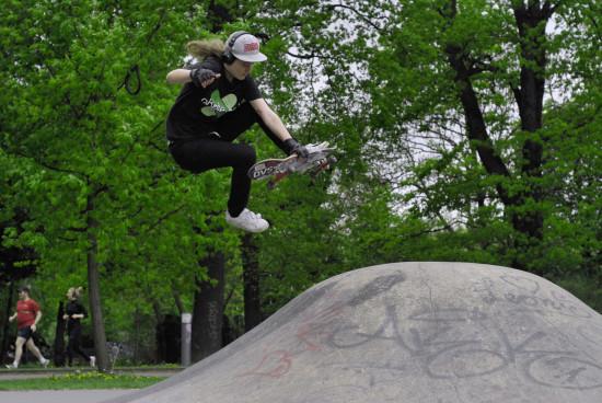 Boneless v Berlíně na boulích. Foto: Tess Koeplin